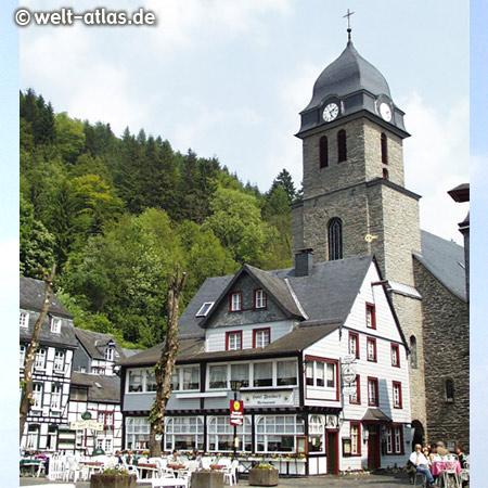 Aukirche St. Mariä Empfängnis in Monschau am Marktplatz