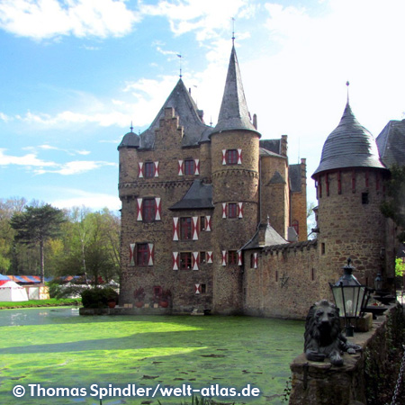 Burg Satzvey, medieval moated castle on the edge of the Eifel