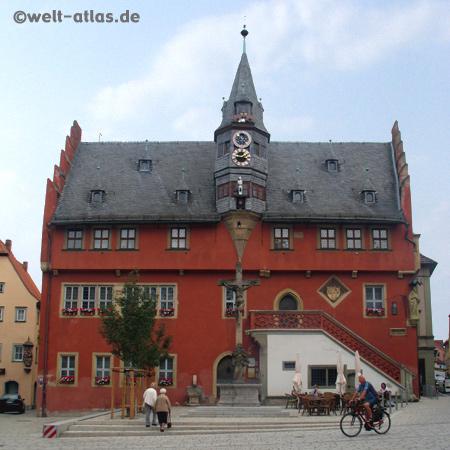 Rathaus von Ochsenfurt in der historischen Altstadt