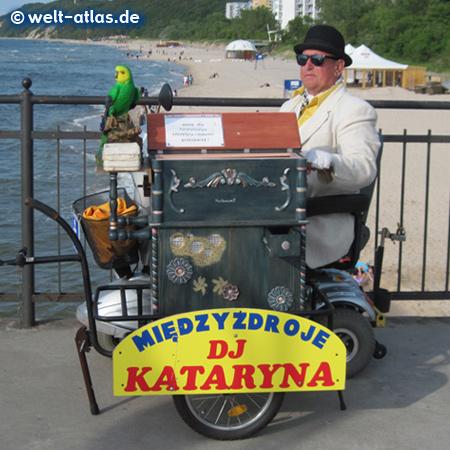 Organ grinder of Miedzyzdroje, Baltic Sea, Poland