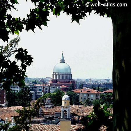 Dom in Udine, Italien
