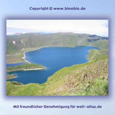 Kratersee Lagoa do Fogo auf São Miguel  - Urlaubsbericht: Wandern auf den Azoren von Hans van Gelderen unter:http://azoren.binobio.de/acores.htm