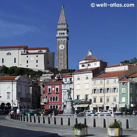Tartiniplatz mit Stadthaus und Tartini-Statue, Kathedrale St. Georg,venezianische Architektur