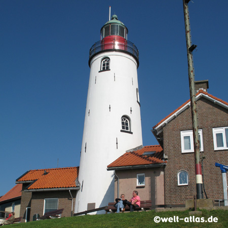 Dutch lighthouse in Urk Position: 52°39'N 005°35'E