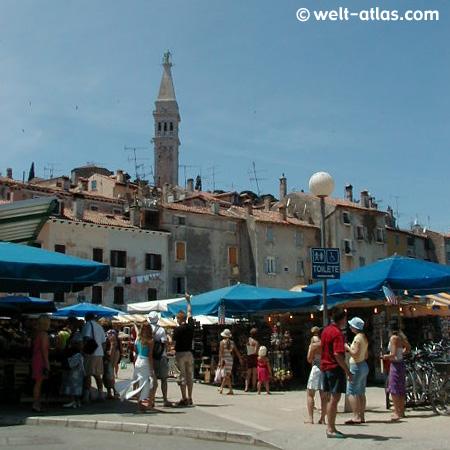 Markt, Marktstand, Urlaub, Kroatien, Istrien, Porec, Sommer, Kirchturm, Marktplatz