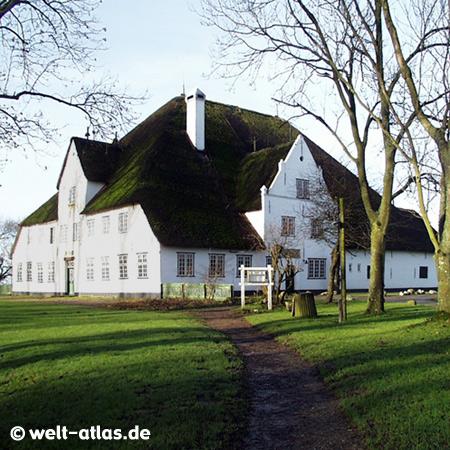 """Der """"Rote Haubarg"""" bei Witzwort, typisches Bauernhaus auf Eiderstedt,  Restaurant"""