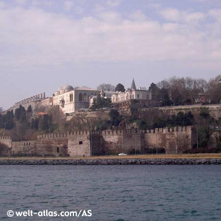 Reste von der Osmanischen Burg am Bosporus
