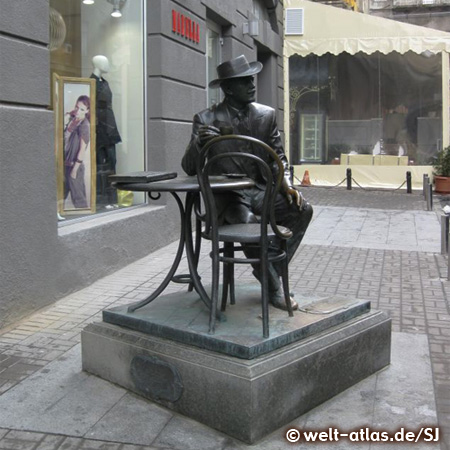Skulptur in der Kiew Passage