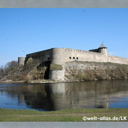Ivangorod, Narva river and fortress