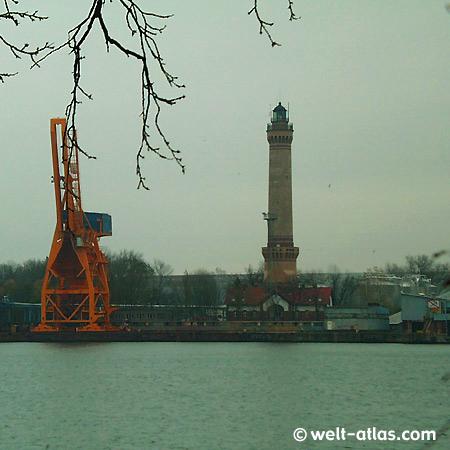 Leuchtturm am Hafen in SwinemündePosition: 53°55'N 14°17'E
