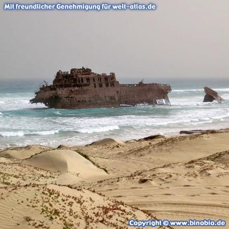 Shipwreck at Costa de Boa Esperança, Boa Vista