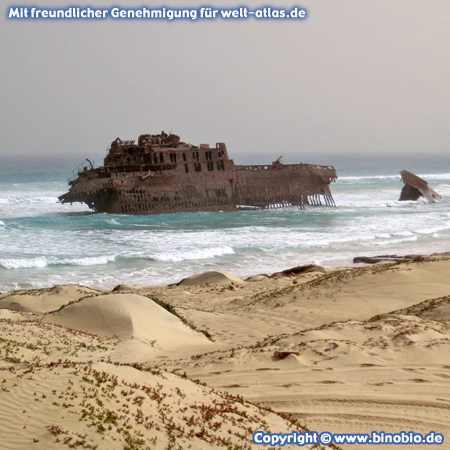 Das Wrack Cabo Santa Maria an der Costa de Boa Esperança auf der Insel Boa Vista – Fotos: Reisebericht Kapverden, kapverden.binobio.de