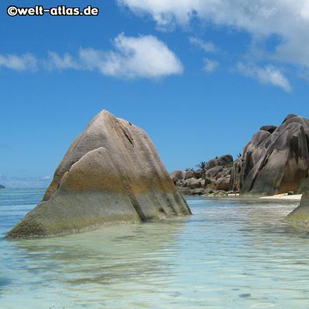 Granite rocks at the beautiful beach of Anse Source d'Argent on La Digue, SeychellesAnse Source d´Argent, La Digue