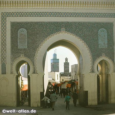 Tor zur Medina von Fes, Bab Boujeloud, Marokko
