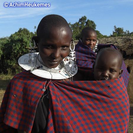 Extremsportler Achim Heukemes  unterwegs bei den Massai im  Ngorongoro-Krater in Tansania