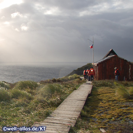 Fahne und Station am Kap Horn