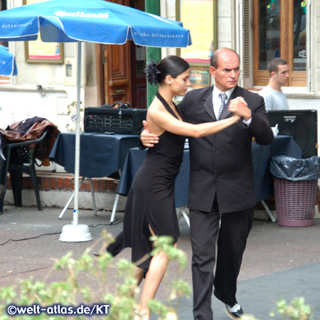 Tangotänzer auf der Straße