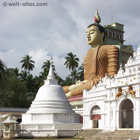 Buddhastatue,Wewurukannala Vihara Tempel bei Dickwella, Sri Lanka, (Süden)