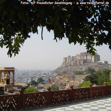 Mehrangarh Fort ofJodhpur, known as Blue City, Rajasthan, IndiaFoto:© www.reisepfarrer.de
