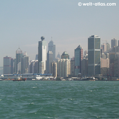 Blick von Kowloon nach Hongkong-Island