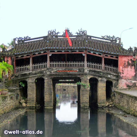 Die berühmte Japanische Brücke in Hoi An, die Altstadt gehört seit 1999 zum UNESCO Weltkulturerbe