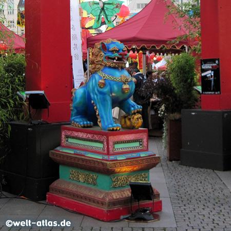 "CHINA TIME 2010 - in Hamburg, ""Han Bao"", Shanghai is sister city"