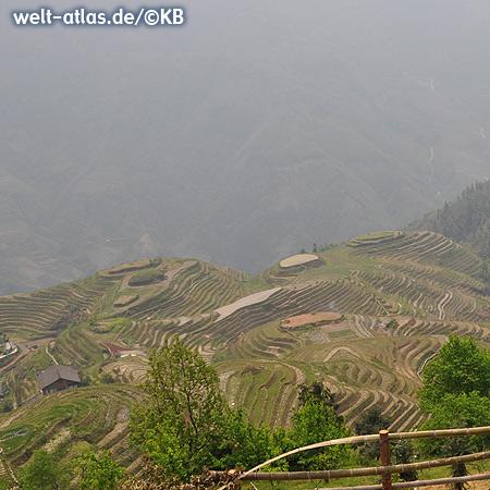 Die Reisterrassen von Longsheng im Gebiet der Volksgruppe der Yao