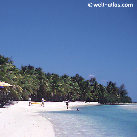 Am Strand der Aitutaki Lagune
