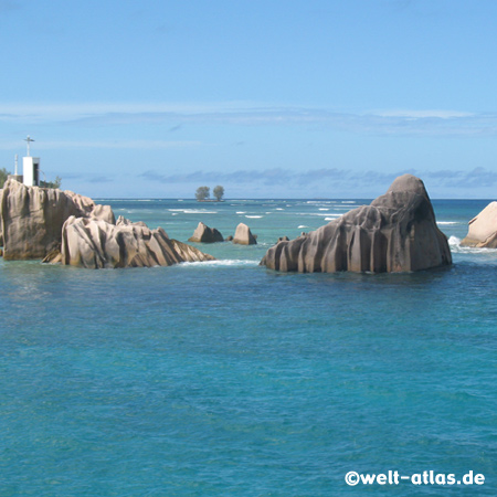 Felsen vor La Digue