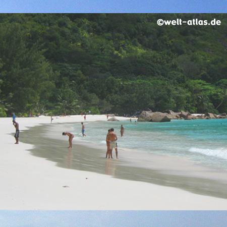 Beach Anse Lazio, Praslin