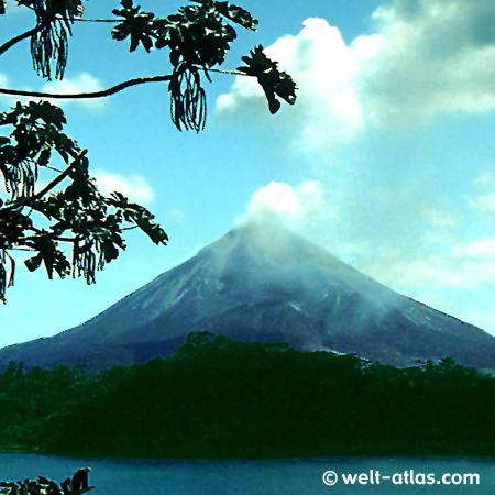 Costa Rica, Volcano Arenal, Lake Arenal