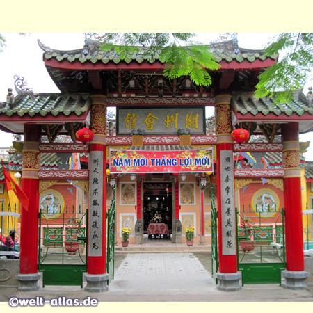 Tor der Trieu Chau Versammlungshalle, Tempel in der Altstadt von Hoi An