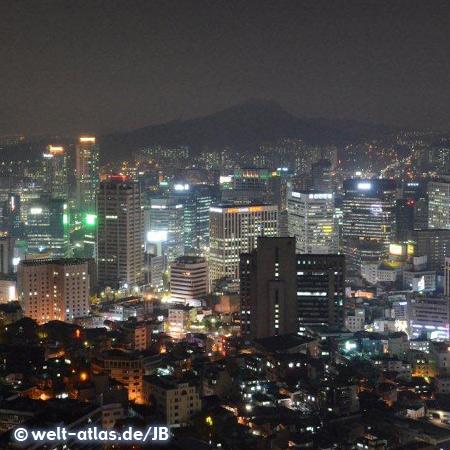 Seoul, Blick über die Stadt und Hochhäuser am Abend