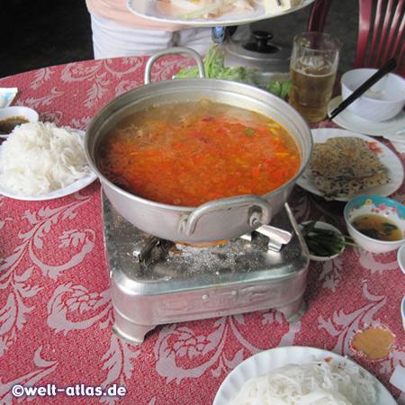 Unser Vietnamesischer Hot Pot (Feuertopf) ist in Vorbereitung