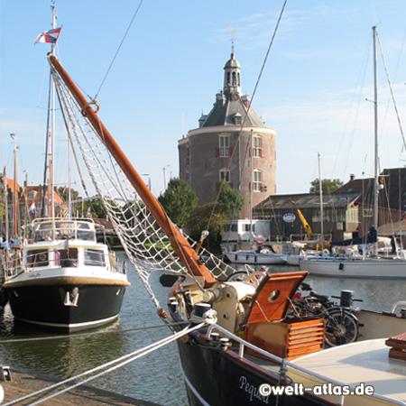 Der Hafen von Enkhuizen mit dem Dromedaris Turm, 16. Jh.