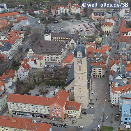 Blick vom Jentower auf die Stadtkirche St. Michael und das Stadtzentrum von Jena