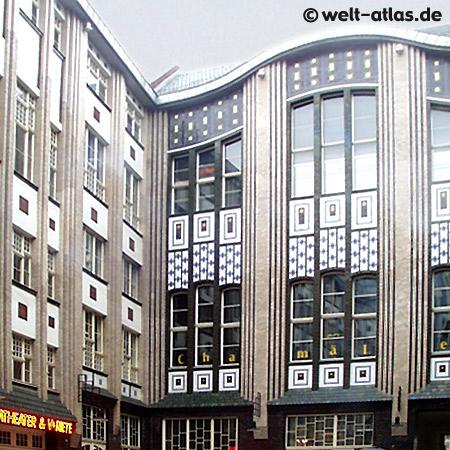 Die Hackeschen Höfe, eine der Hauptsehenswürdigkeiten Berlins. Jugendstil