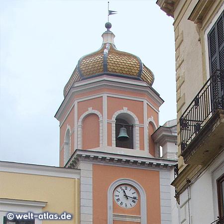 Turm der Basilica di Santa Maria di Loreto in Forio auf Ischia
