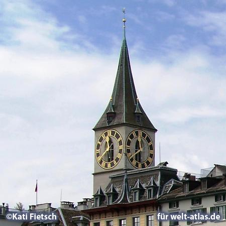 Die Turmuhr der Kirche St. Peter in Zürich hat das größte Zifferblatt in Europa