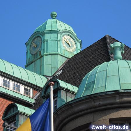 Uhrturm am historischen Rathaus von Buxtehude, Jugenstilbau