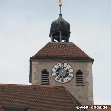 Turmuhr der Stiftskirche St. Johann am Domplatz in Regensburg