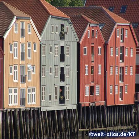 Historische Speicher in Trondheim am Nidelv