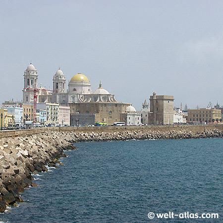 Die Kathedrale von Cadiz in Andalusien