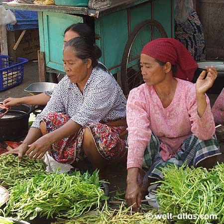 Gemüseverkauf, Wasserspinat,Markt in Gunungsari
