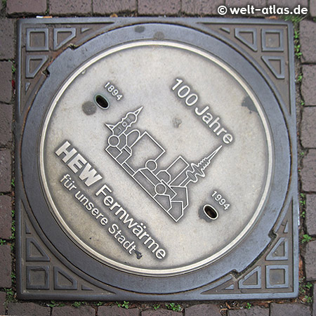 Manhole cover with Hamburg Skyline (100 years district heating)