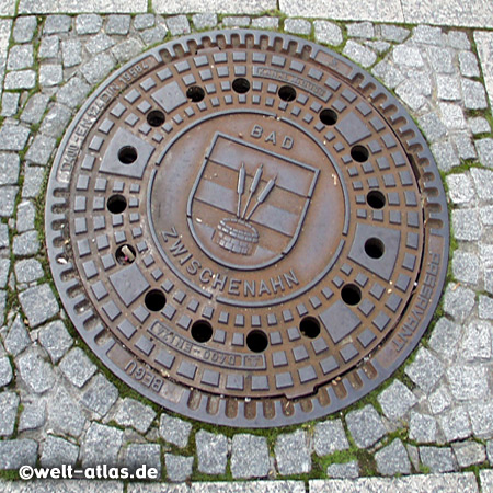manhole cover in Bad Zwischenahn with Coat of Arms