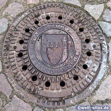 Sieldeckel mit dem Wappen der Stadt Neuruppin in Brandenburg