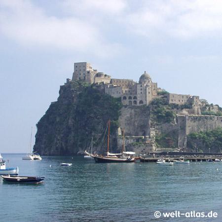Castello Aragonese, Isola del Borgo Antico
