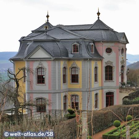 Das Rokokoschloss ist eines der berühmten drei Schlösser in Dornburg an der Saale