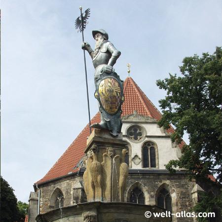 Hopfenbrunnen in Arnstadt vor der Bachkirche
